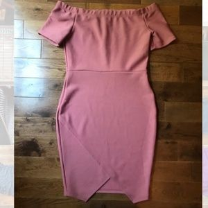 Dresses & Skirts - Blush body con mini dress